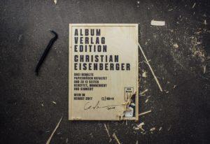 Christian Eisenberger's »Drei bemalte Papierbögen«